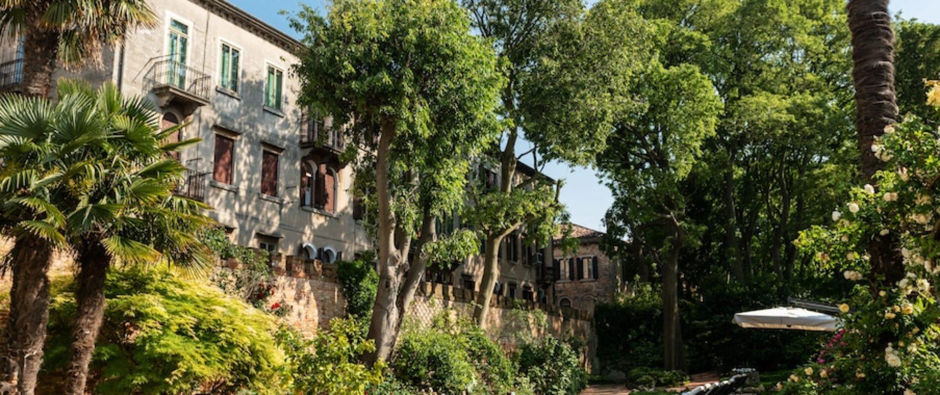 Sabato 19 GIUGNO: giardini segreti, conventi e… l'aperitivo Lady ROSE